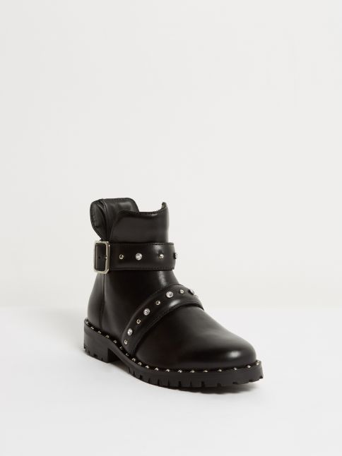 Kingsley Saffire Shoes with Studs nature black front view