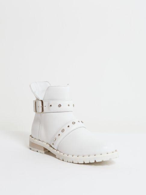 Kingsley Saffire Shoes white front view