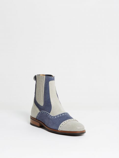 Kingsley Jodhpur Bonaire lizzard light grey, jeans front view