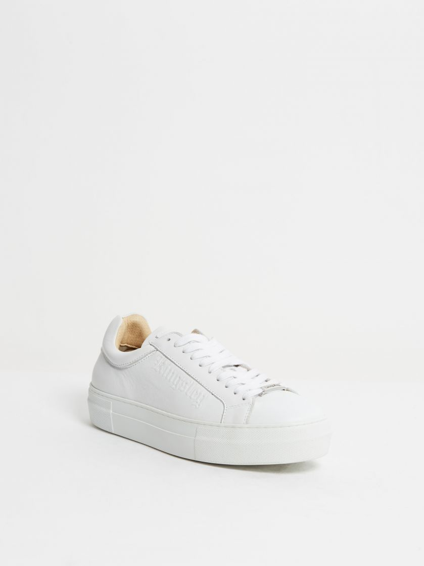 Kingsley Moroni Sneakers white front view