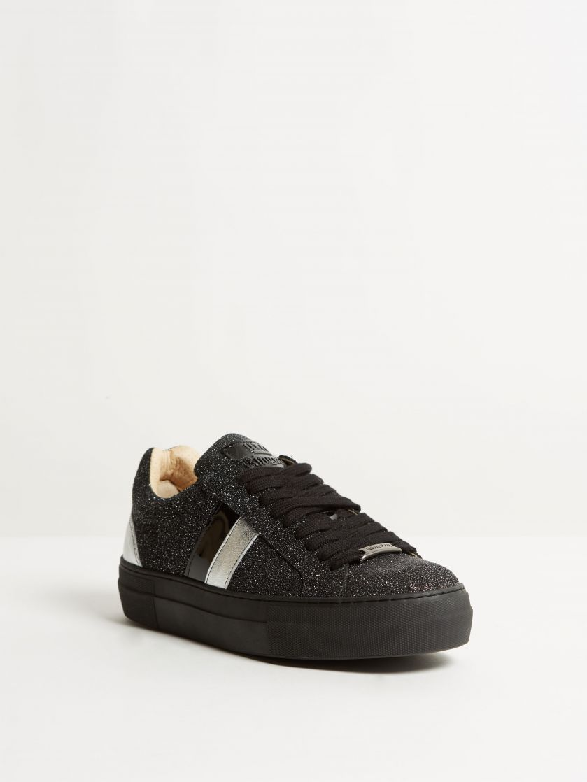 Kingsley Star Sneakers stardust black, silver front view